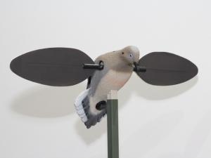 Манки, Голубь с вращающимися крыльями электро 6В