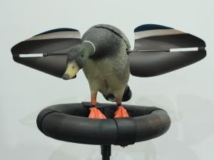 Манки, Утка-поплавок универсальная с электрокрыльями